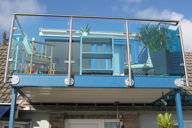 Balcony Balustrade with Blue Tinted Glass Infill