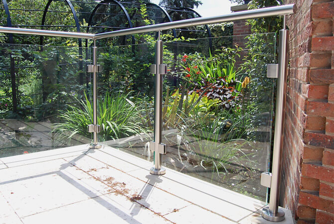 Glass Balustrade Corner - Mount Pleasant Hotel