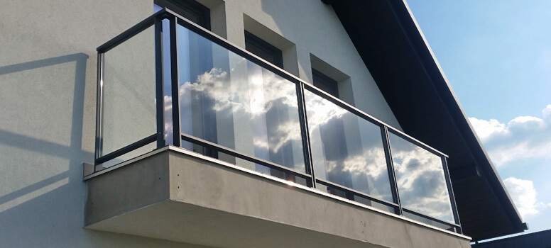 Easy Alu Glass Balustrade on Balcony