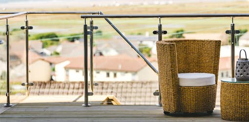 Glass balustrade clamp system