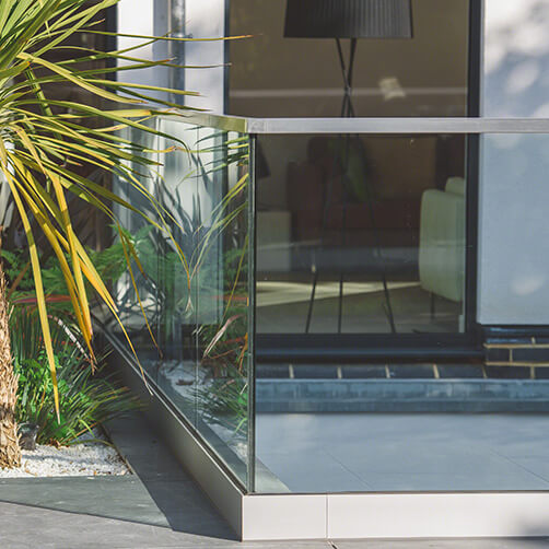Outer Corner - Frameless Pro Glass Balustrade