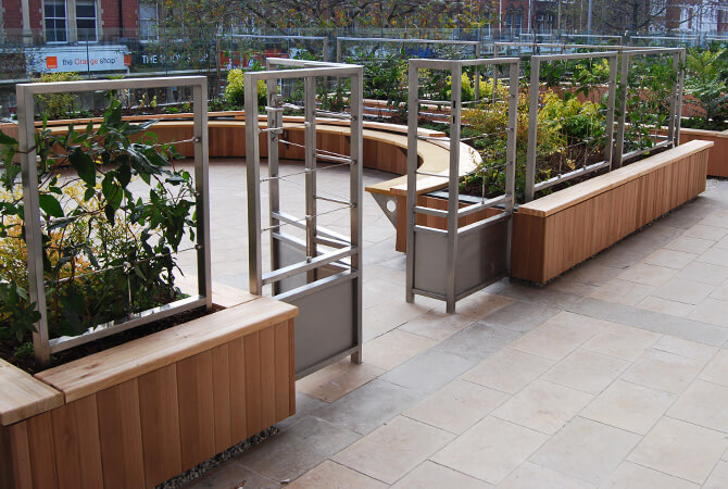 Phillimore Walk Roof Top Gardens Trellis and Planters