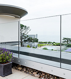 Easy Glass Prime Balustrade - Fascia Mount