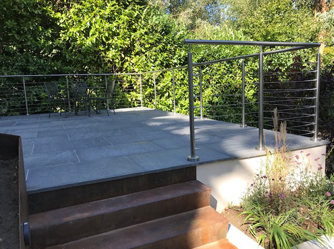 Patio area with wire balustrade boundary